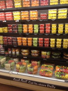 Fruit And Veg Shop, Fruit And Vegetable Storage, Vegetable Shop, Food To Go, Food And Drink, Juice Bar Interior, Sopas Low Carb, Clean Recipes, Healthy Recipes
