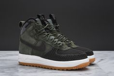 The newest colorway of the Nike Lunar Force 1 Duckboot combines Army Green suede with a Baroque Brown rubber toe.