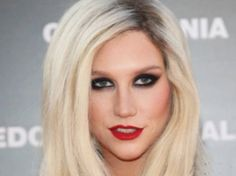 Kesha spotted has a new love