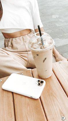 Cozy Aesthetic, Peach Aesthetic, Aesthetic Coffee, Brown Aesthetic, Aesthetic Colors, Aesthetic Images, Aesthetic Collage, Summer Aesthetic, Aesthetic Backgrounds