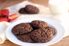 Fudgy Double Dark Chocolate Black Bean Cookies (Vegan, GF, Nut-Free) - Oatmeal with a Fork Gluten Free Cookie Recipes, Healthy Cookie Recipes, Oatmeal Cookie Recipes, Gluten Free Sweets, Gluten Free Cookies, Healthy Cookies, Gluten Free Baking, Healthy Desserts, Real Food Recipes