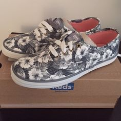 Keds Floral Gray White New in Box Hollister Size 5 Brand new in box floral keds from hollister! Size 5. Gray and white. keds Shoes Sneakers