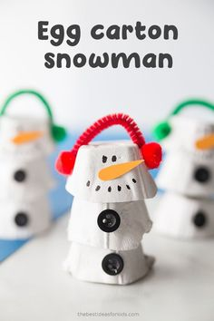 Adorable Egg Carton Snowman Craft for Kids - this easy snowman craft is so much to make!