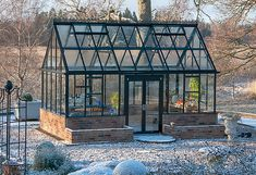 Most up-to-date No Cost Winter Garden architecture Strategies Just about the most frequently asked questions about winter gardening is extreme temperature swings Homemade Greenhouse, Cheap Greenhouse, Backyard Greenhouse, Greenhouse Plans, Greenhouse Wedding, Pallet Greenhouse, Pergola, Gazebo, Indoor Garden