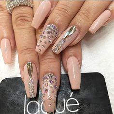 Light Pink and Crystallized Nails | Via @laquenailbar Instagram #NailArt