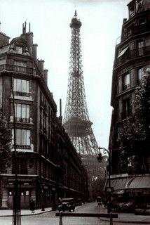 Paris Street Scene 1925 by nikon101, via Flickr