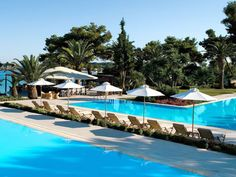 Luxurious hotel with great family facilities: Sani Beach Club & Spa, Sani, Halkidiki, Classic Collection Holidays Resorts For Kids, Best Family Resorts, Hotels And Resorts, Great Places To Travel, Places To Go, Beach Club, Sani Beach, Beste Hotels, Spa