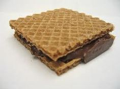 Cumartesi günü kahvaltı sofranızın olmazsa olmazı :)  Hanuta Fındıklı Çıtır Gofret  * Hanuta dünyaca ünlü İtalyan Çikolata grubu Ferrero'ya ait bir markadır  www.cikolatalimani.com