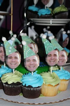 Photo cupcake toppers! This would be so fun for a kid birthday! Or just a funny thing for an adult's birthday. Ha ha