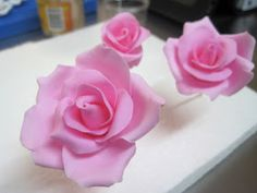 Frosting Flowers, Fondant Flowers, Sugar Flowers, Paper Flowers, Fondant Figures, Fondant Cakes, Cupcake Cakes, Cupcakes, Tutorial Rosa