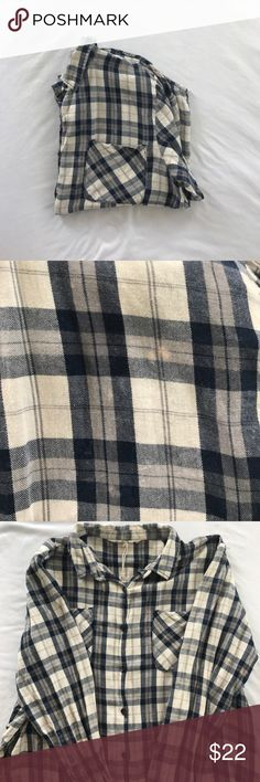 flannel super super cute blue and white flannel!! has a slight acid wash look to it that makes it a trendy unique look! love love love this one 💧✨ Urban Outfitters Tops Button Down Shirts