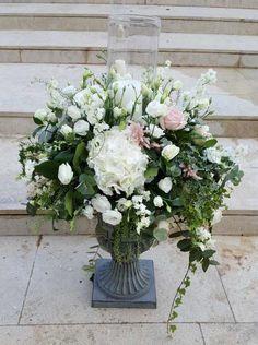Γάμος στην Φανερωμένη Βουλιαγμένης #lesfleuristes #λουλούδια #ανθοσύνθεση #ανθοπωλείο #γλυφάδα #γάμος #νύφη #εκκλησία Floral Wreath, Wreaths, Home Decor, Decoration Home, Room Decor, Bouquet, Flower Band, Interior Decorating, Floral Arrangements