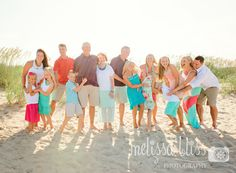 Studio and lifestyle photography family photos, family beach pictures и lar Family Reunion Photos, Family Photos What To Wear, Family Beach Portraits, Family Photo Sessions, Family Posing, Beach Sessions, Extended Family Pictures, Large Family Photos, Family Beach Pictures