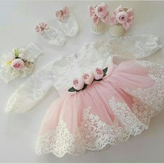 32 trendy sewing dress for kids tutus Source by rjonquet Dresses Fashion Kids, Baby Girl Fashion, Little Girl Dresses, Flower Girl Dresses, Sewing Dress, Kids Tutu, Tutus For Girls, Kids Frocks, Baby Gown