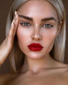 Bold lip l red lipstick looks l how to l natural makeup inspo l eyebrows . BEAUTY Make Up Statement Lips . Glam Makeup, Red Lip Makeup, Makeup Inspo, Makeup Inspiration, Eye Makeup, Daily Inspiration, Drugstore Makeup, Fresh Makeup, Pinterest Inspiration