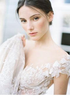 Weddings, require additional charming wedding ideas, stopover the pin immediately. Bridal Makeup Looks, Bridal Beauty, Bridal Looks, Wedding Makeup, Wedding Hair, Wedding Blog, Wedding Bolero, Wedding Ideas, Classic Wedding Dress