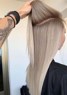 Amazing Blends Of Balayage Hair Colors for Women in 2019 Amazing Blends Of Bala. - Amazing Blends Of Balayage Hair Colors for Women in 2019 Amazing Blends Of Balayage Hair Colors fo - Silver Blonde Hair, Honey Blonde Hair, Blonde Hair Looks, Balayage Hair Blonde, Blonde Highlights, Black Hair, White Blonde Hair, Balayage Color, Bleach Blonde