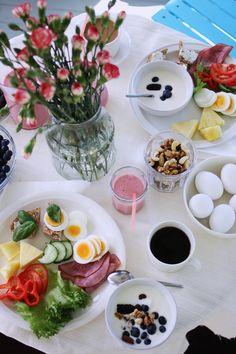 Pure and simple: Aamiaishetki huvimajassa