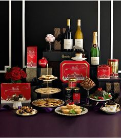 A lovely Harrods Christmas hamper Harrods Christmas, Christmas 2019, Xmas, Luxury Food, Christmas Hamper, Hampers, Party Entertainment, Famous Brands, Luxury Gifts
