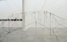 Outpost of progress, de Michael Höpfner. Museo Universitario Arte Contemporáneo.