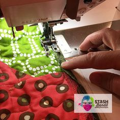 Learn some valuable quilt binding tips and how to do join binding using a diagonal seam from this helpful how-to video. Quilting Tips, Quilting Tutorials, Machine Quilting, Quilting Designs, Sewing Tutorials, Beginner Quilting, Quilt Border, Quilt Top, Easy Sewing Projects