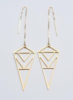 Diamond Triangle Gold Earrings by friedasophie on Etsy Artisan Jewelry, Handmade Jewelry, Unique Jewelry, Ear Chain, Jewelry Accessories, Jewelry Design, Triangle Earrings, Crystal Beads, Gold Earrings