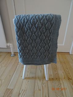 Ravelry: Project Gallery for Bella Teppe pattern by Lene Holme Samsøe Baby Shawl, Diamond Pattern, Baby Patterns, Dahlia, Ravelry, Diy And Crafts, Blanket, Knitting, Projects