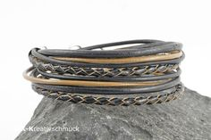 Leder Wickelarmband schwarz braun von MK-Kreativschmuck auf http://de.dawanda.com/shop/MK-Kreativschmuck/3340939-Armbaender