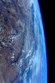 Good night from #space. Buona notte dallo spazio.