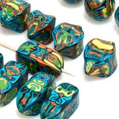 Yuhr-bullseye cane tute what it Polymer Clay Canes, Polymer Clay Creations, Polymer Clay Earrings, Faux Stone, Clay Tutorials, Clay Projects, Jewelry Crafts, Handmade, Dry Clay