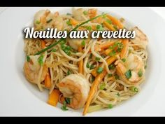 Recette de Crevettes sauce piquante - 750 Grammes - YouTube Noodles, Sushi, Chicken, Ethnic Recipes, Food, Youtube, Exotic Food, Onions, Spice