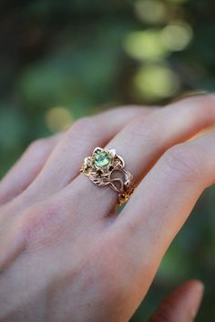 Rose gold peridot ring, unique engagement ring, flower ring for woman, wide - Piercings, Cute Jewelry, Women Jewelry, Peridot Engagement Rings, Peridot Rings, Art Nouveau Ring, Rings For Her, Pretty Rings, Wedding Rings For Women