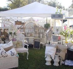 I'm ready for another trip to the flea market......anyone? anyone?