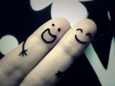 Parmaklarim.com'da bol kazançlı bir alışverişe ve mutluluğa parmak kaldırın! ;)