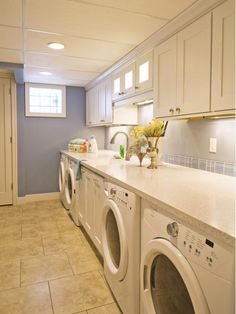 Laundry Room for Large Household - Home and Garden Design Idea's