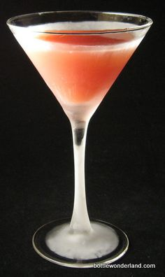The 30-Day Challenge: 30 Days of Cocktails: June 2011