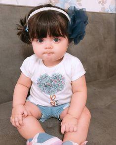Cute Kids In the world Cute Little Baby Girl, Cute Baby Girl Pictures, Beautiful Baby Girl, Beautiful Children, Little Babies, Baby Love, Baby Kids, Small Cute Babies, Cute Baby Dresses