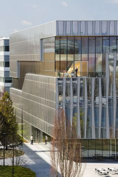 BUILDING is a 140,000-square-foot oncology office building at Novartis' North American Headquarters. Five floors of open office work areas are connected by a...