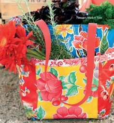 Sewing with Oilcloth (Wiley): Farmer's Market Tote free PDF Pattern. #diy #crafts #tote #oilcloth #fabric #pattern