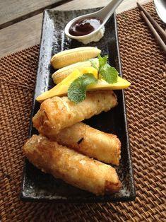 Clase de cocina vietnamita, una cooking class genial! Aquí, nems de plátano y mango