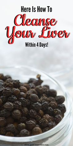 In this article we give you the most efficient detox treatment, and the best thing about it is that it does not take any special effort. It will help you cleanse the liver, and thus improve your overall health. Regular consumption of raisins is the easies Natural Cough Remedies, Natural Health Remedies, Natural Cures, Herbal Remedies, Natural Detox, Organic Recipes, Raw Food Recipes, Food Tips, Cleanse Your Liver