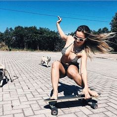 Today, skate dress is therefore commonplace in sought after society, that'd it look like targets for all to don. Sporty Girls, Surf Girls, Poses, Foto Sport, Foto Picture, Skate Girl, Skate Style, Skateboard Girl, Longboarding