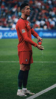 Christano Ronaldo, Ronaldo Juventus, Cr7 Portugal, Cristiano Ronaldo Portugal, Football Players, Messi, My Idol, Athlete, Real Madrid