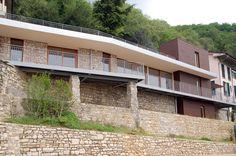 Villa Privata con Piscina  pavimentazione in WPC NOVOWOOD progettazione Abnorma architetture