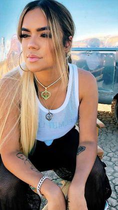 Deberdad q bella se ve Bella si es bella Dvb Dresden, La Muerte Tattoo, Cute Pictures To Draw, Cardi B Photos, Kiss Beauty, Latin Artists, Crush Pics, Marvel Cosplay, Girl Guides
