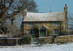 """Fake country cottage in Surrey, England. It was built for the movie """"The Holiday"""". Stone Cottages, Cabins And Cottages, Stone Houses, English Country Cottages, English Countryside, Cute Cottage, Cottage Style, Cottages Anglais, Cottage Homes"""