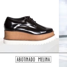 BACK IN STOCK!  *Abotinado Melina*  Encontralos en nuestra tienda online   www.martinasaban.com.ar   Cuotas Sin Interés + Envíos a todo el país!   #getthelook #look #ootd #picoftheday #instapic #sandalias #zapatos #shoes #nordelta #showroom #fashion #moda