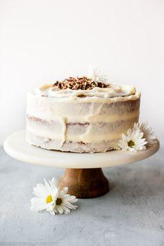 Super moist layer carrot cake with cream cheese frosting Desserts Ostern, Köstliche Desserts, Delicious Desserts, Baking Recipes, Cake Recipes, Dessert Recipes, Carrot Recipes, Food Cakes, Cupcake Cakes