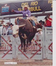 Charlie Sampson of California - Del Rio 'SuperBull' - Del Rio, Texas. Rodeo Cowboys, Black Cowboys, Real Cowboys, Del Rio Texas, Cowboy Photography, Animal Photography, Rodeo Events, Professional Bull Riders, Bucking Bulls