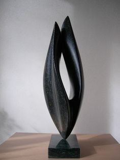 Jan van der Laan | serptentijn- 2002- Ontkiemen | Title: Sprout Year: 2002 Material: Serpentine springstone Size: height 43 cm